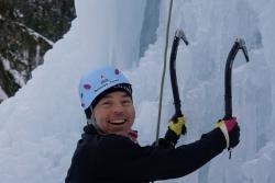 Initiation à la cascade de glace et crampons